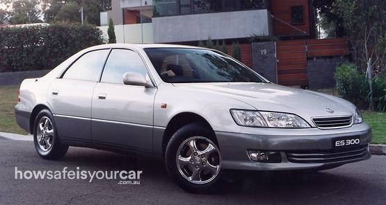 2000           Lexus           ES